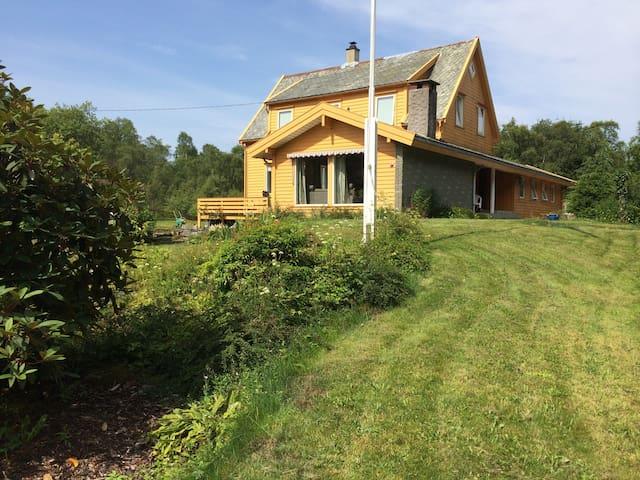Spacious family country home near Bergen - Askøy - Haus