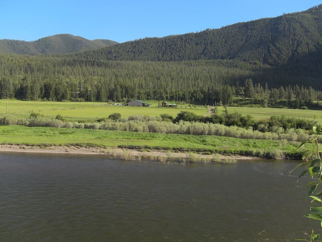 Camping on Clark Fork River, Alberton Gorge launch - Alberton