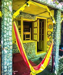 Pura Vida beach Hostel Vama Veche 8p shared dorm