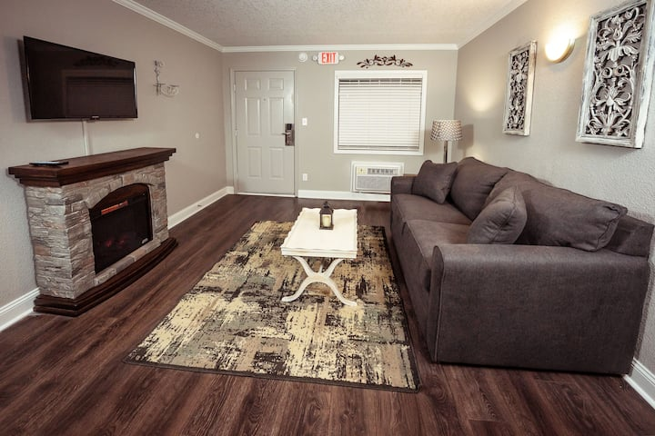 one bedroom condo at the Branson King Resort