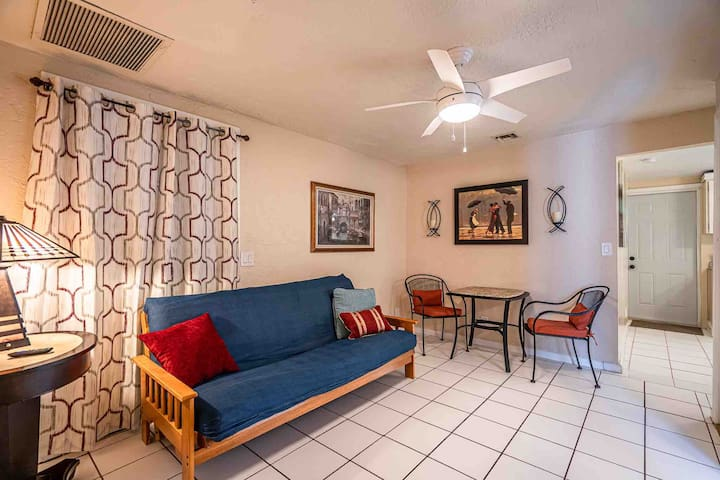 Charming Cottage in Beautiful Lake Worth Beach