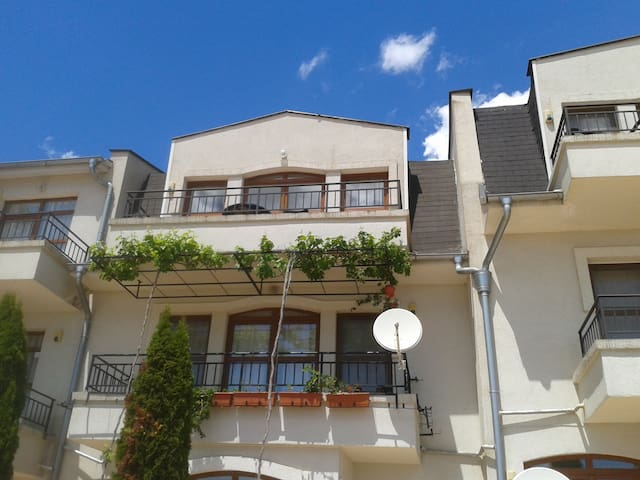 Luxury apartment on small site. - Burgas - Appartement