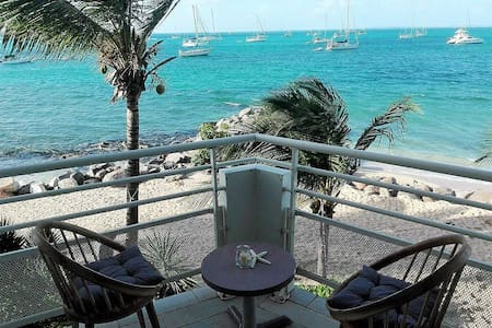 Superb apartment with sea panoramic view and pool - Marigot - Appartement