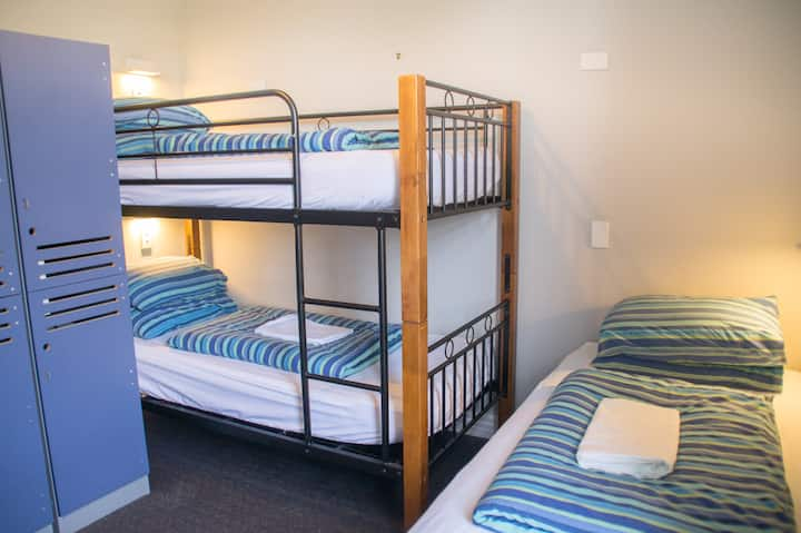 3 Bed Mixed Annex Dorm (external) - YHA Christchurch