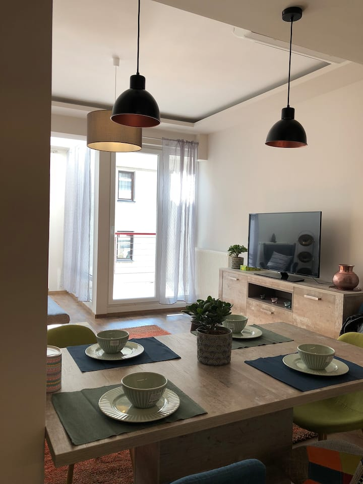 Luxury new flat with nice balcony in the center
