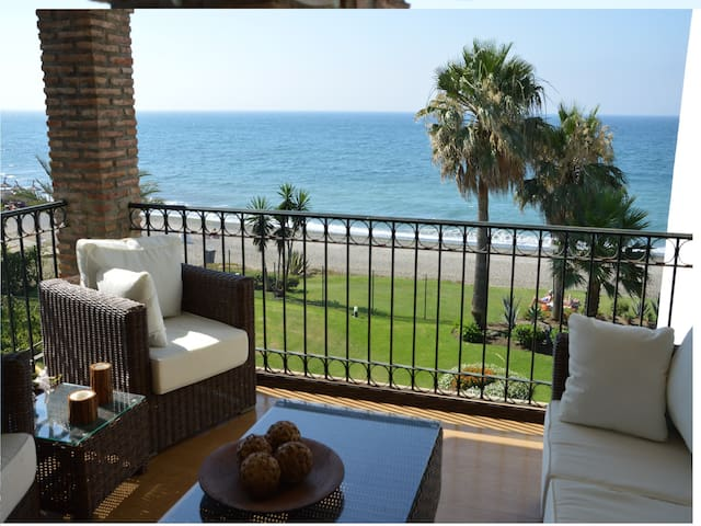 2 bedroom apt front line beach -HB - Malaga - Appartamento