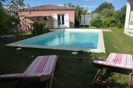 maison avec piscine dans le sud - Fons - House