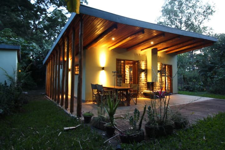 Green cottage on Lake Kivu in GOMA