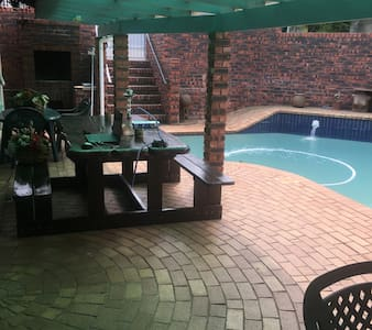 House, self catering. - Kingsburgh - House