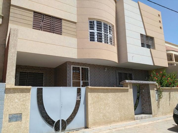 Villa( yasmine )à Oujda avec piscine