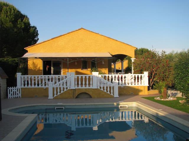 Maison de 145 m2 avec piscine - Thézan-lès-Béziers