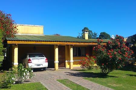 """Casa Quinta """"Chascomús"""" - ideal para familias. - Chascomús - Dom"""