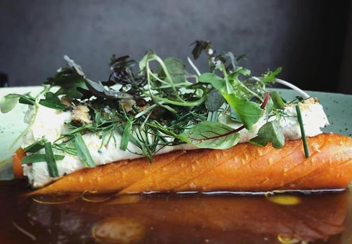Restaurant Pigor - Un de nos préférés. Pensez à faire une réservation dans ce restaurant bistronomique  https://www.restaurantpigor.com/