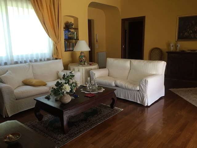 Appartamento Costa Saracena tra verde e mare