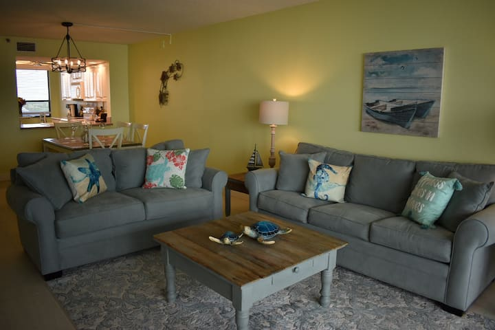 Spectacular view Gulf front Condo, newly remodeled