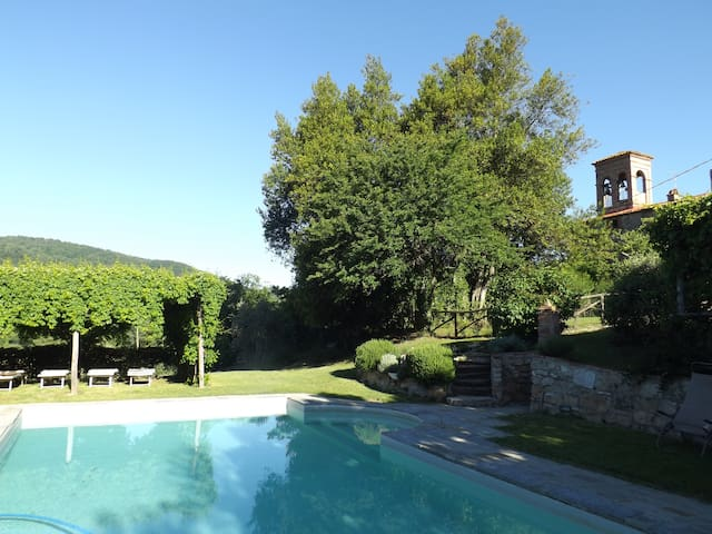 Country House on the border of Tuscany and Umbria
