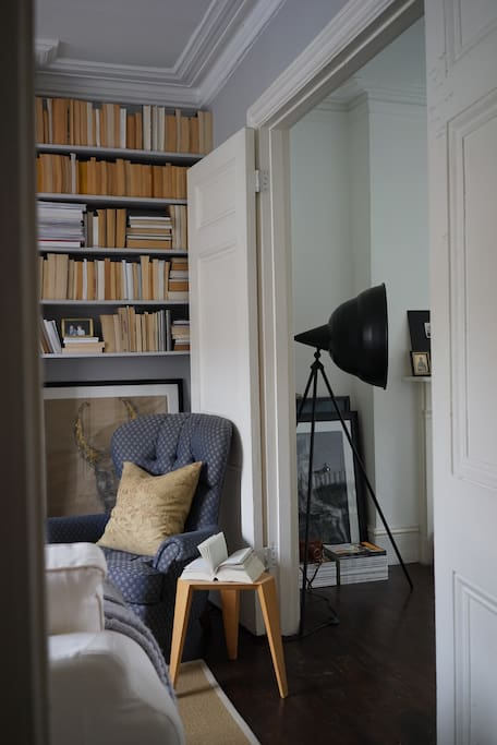When you need more space: the doors open and living room and study become one space
