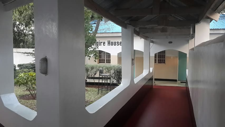 Lungire House