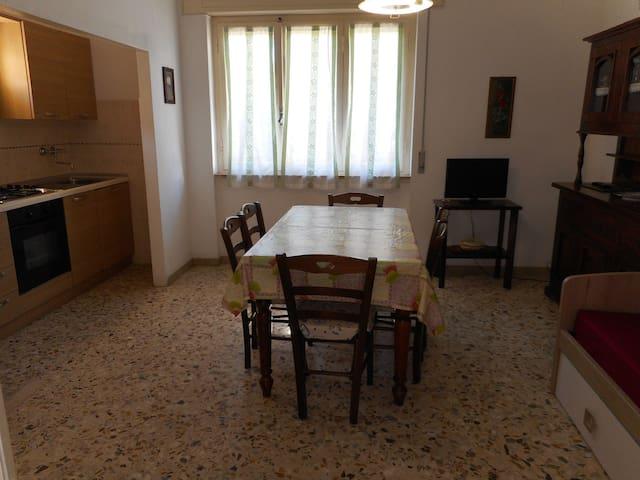 Appartamento a 30 metri dal mare - Marina di Castagneto Carducci - Apartment