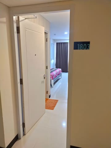 Romantic Comfy Apartment near Simpang Lima