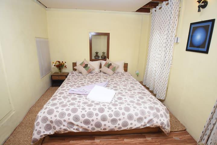 Traditionally themed Bedroom