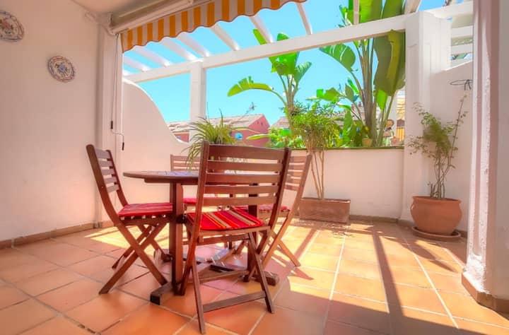 Prívate Confort double room in Puerto Banús. WiFi