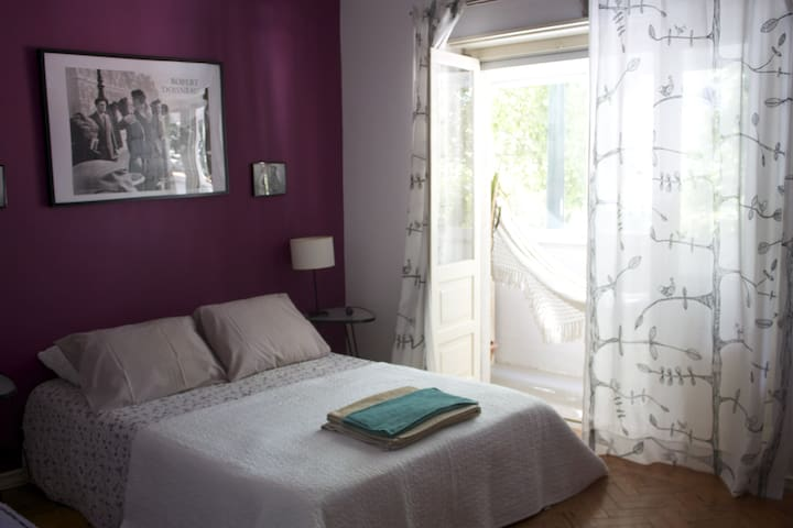 Lisboa Lilac Room - JUST FOR GIRLS OR LADIES