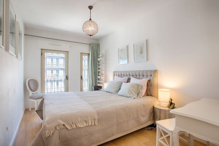 Charming 1 Bedroom Apartment in Central Lisbon