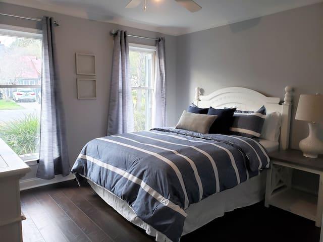 Main floor front bedroom with Queen bed