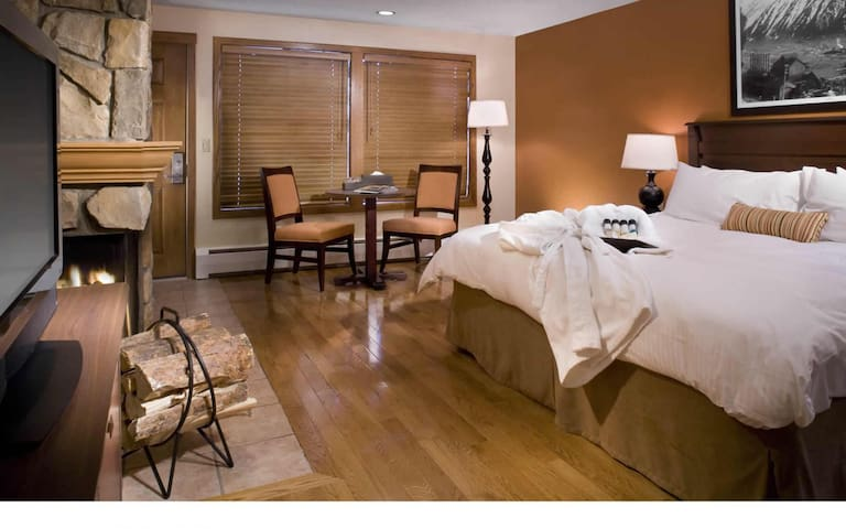 Aspen Hotel Room Available for 2 Nights Downtown - Aspen