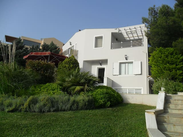 Stunning Villa, Athens Northern Hills Great Views - Pallini - Casa