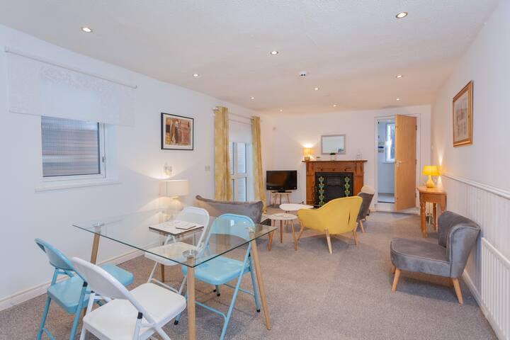 Gardenia Lodge-Spacious 3 bedroom/2 bathroom house