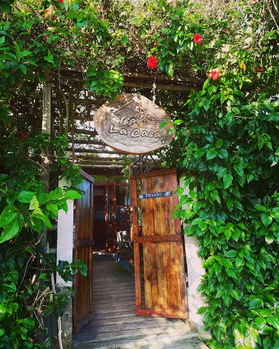 Entrance to La Casa from the beach