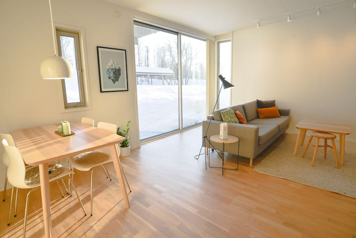 Nice and modern studio apartment close to airport