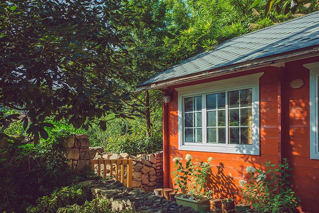 阳光小木屋
