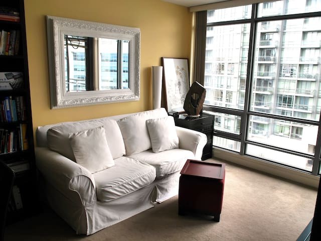 Amazing 1BR Unit Across from the Rogers Centre