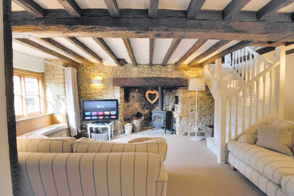 Chippy cottage chipping norton houses for rent in for Perfect kitchens chipping norton