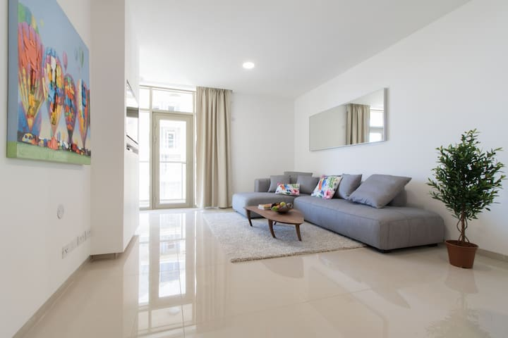 Luxurious City Center One Bedroom - Jerusalem