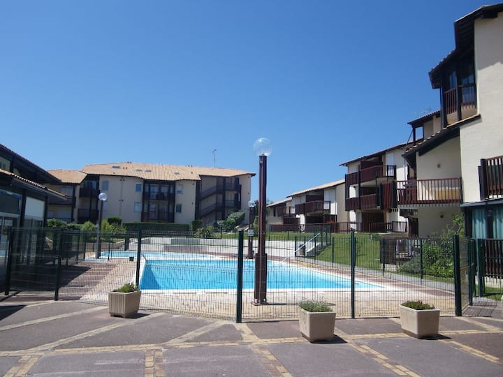 Well situated apartment with pool in Vieux Boucau