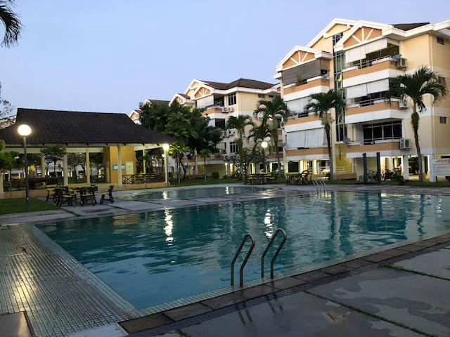 Kondominium Sejahtera (near Telok Cempedak & Town)