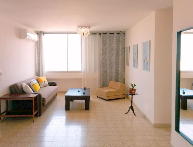 1bdrm APT with panoramic view of sea and mountains