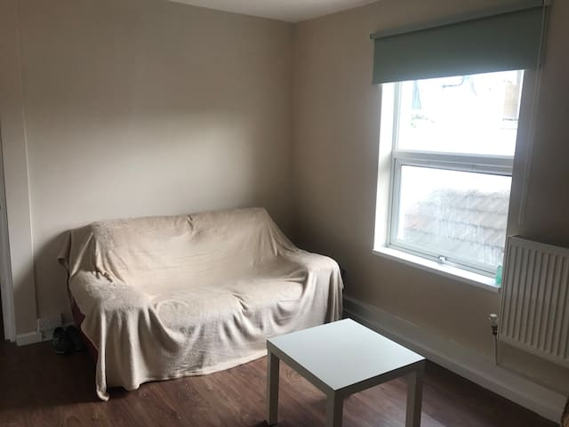 Cranbury - 1 bedroom flat in the heart of the city