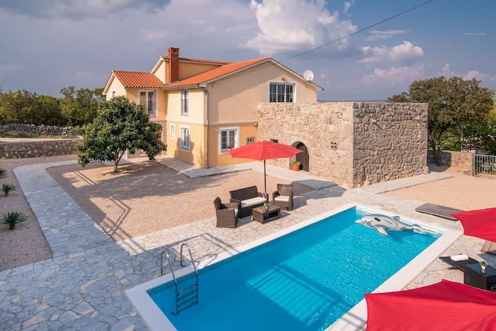 Villa with pool SPECIAL DISCOUNT for May and June - Krk - Villa