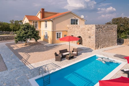 Villa with pool SPECIAL DISCOUNT for May and June - Isola di Krk - Villa