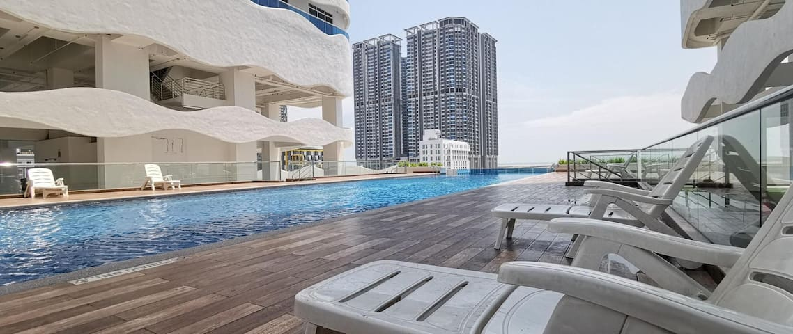 The Wave Residence / 2 Rooms / 4-5 Pax / Balcony