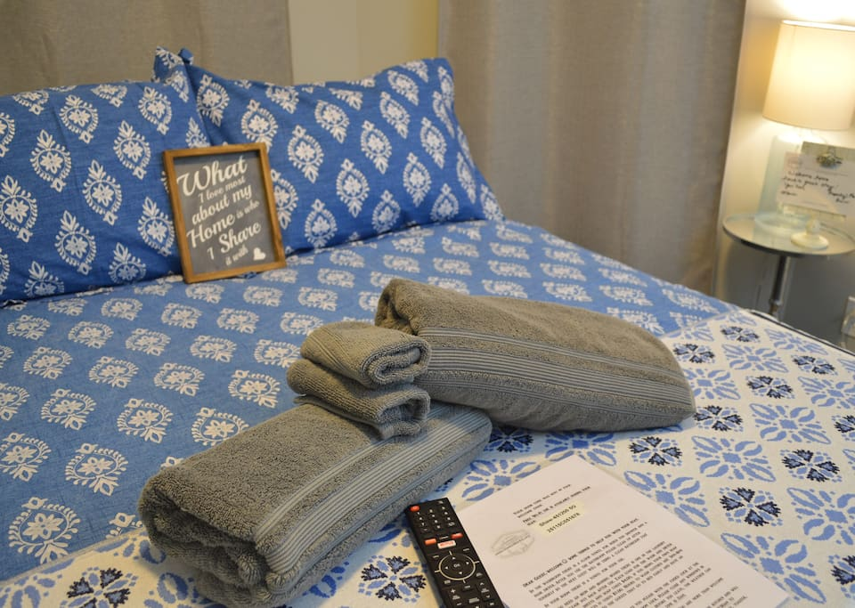 Towels for your stay & tv remote, cable tv and Netflix in your room
