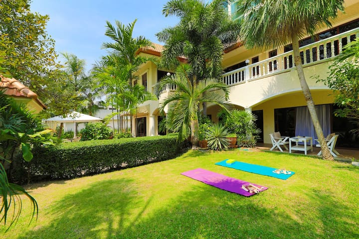 Magic villa 4 bdr, Beach and Private Pool 174