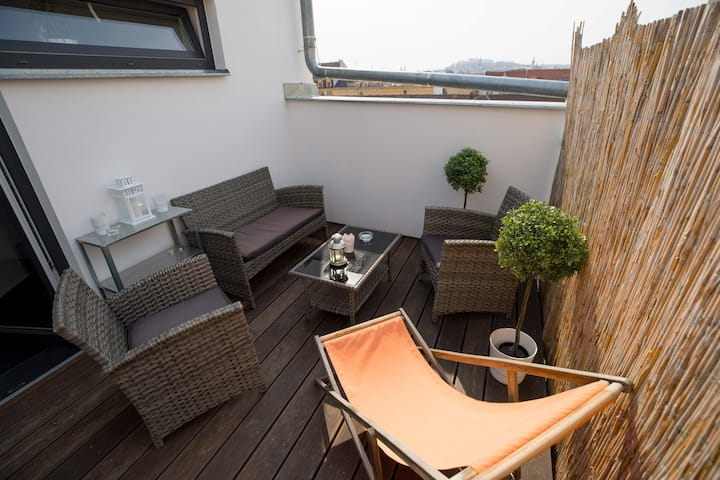 Adventure Apartment with terrase and parking