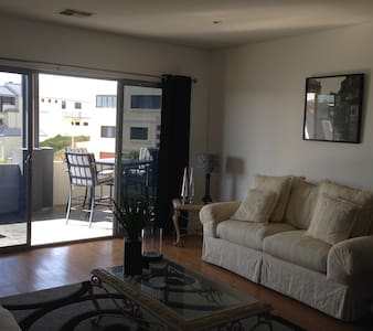 Close to harbour and beach - Mindarie