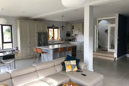Entire Newly Renovated Home by the Sea 4 bedrooms
